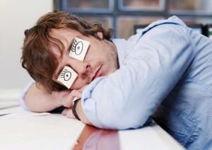 Почему нас одолевает сонливость днем?